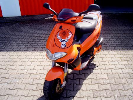 Lackierung Roller orange